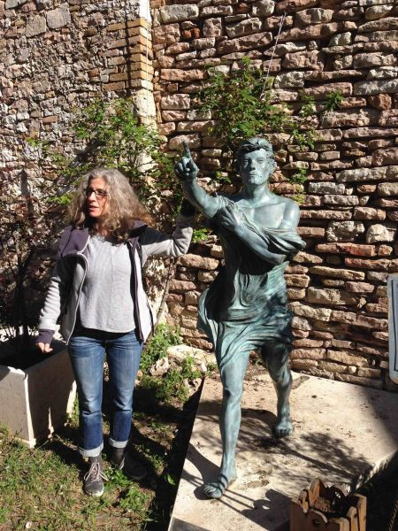 Assisi SMMaggiore BacciStatue Martina1